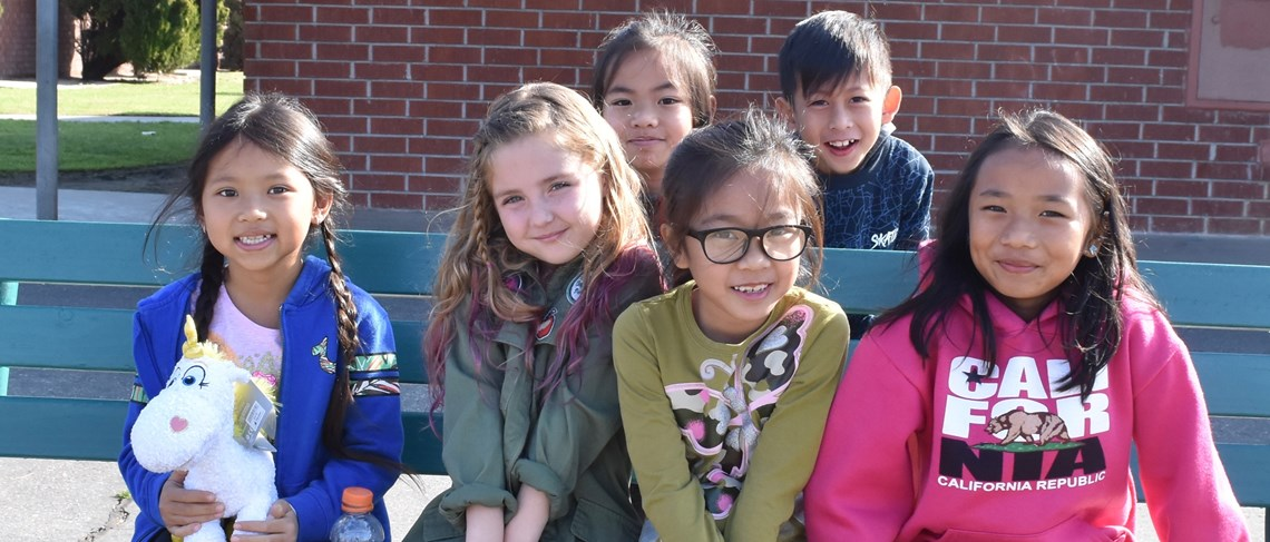 Murdy Elementary students build knowledge and friendships.